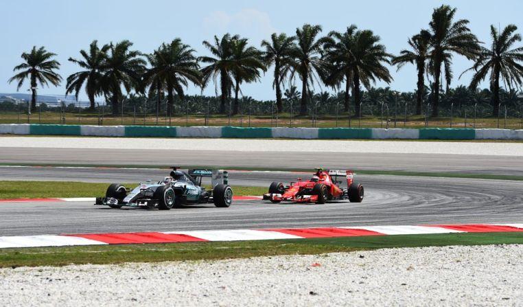 Hamilton e Vettel, continua il duello tra Mercedes e Ferrari