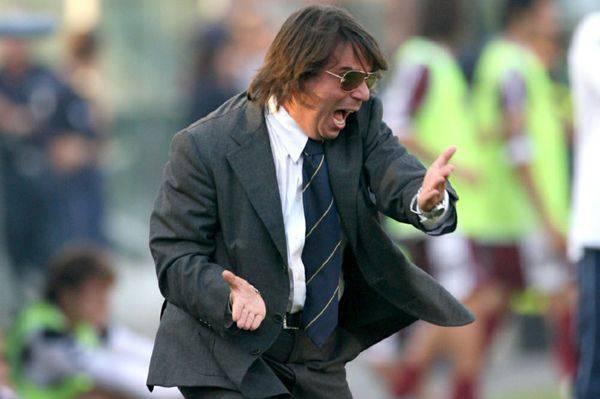 Segna l'Arezzo, il tecnico Ezio Capuano esulta e ha un malore
