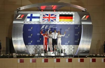 Gp Bahrain, primo Hamilton, Ferrari seconda con rimonta di Raikkonen