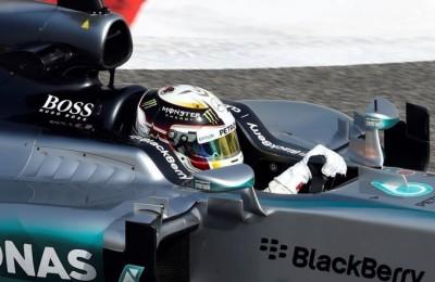 Hamilton sprizza felicità ma Vettel promette battaglia