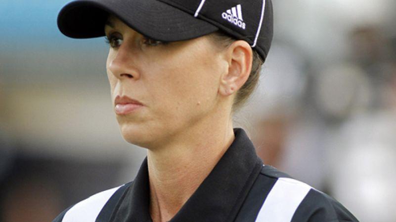 La Nfl abbatte una barriera tra i sessi: ecco il primo arbitro donna