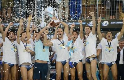 la festa della Pro Recco campione d'Europa