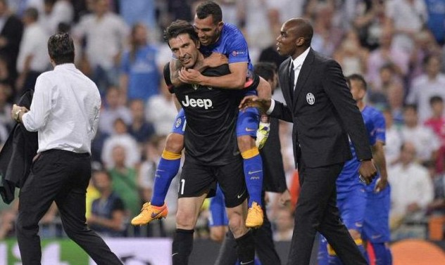 Buffon idea clamorosa: Tevez lo vuole al Boca Juniors per chiudere la carriera!