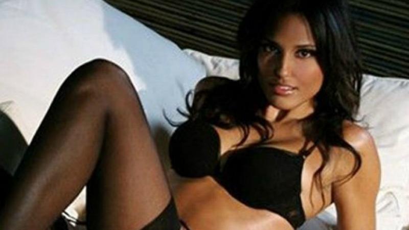 Federica Nargi, provocante in bikini per amore della Juve