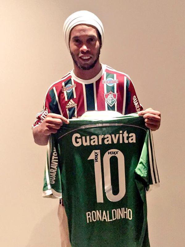 ronaldinho con la maglia del Fluminense