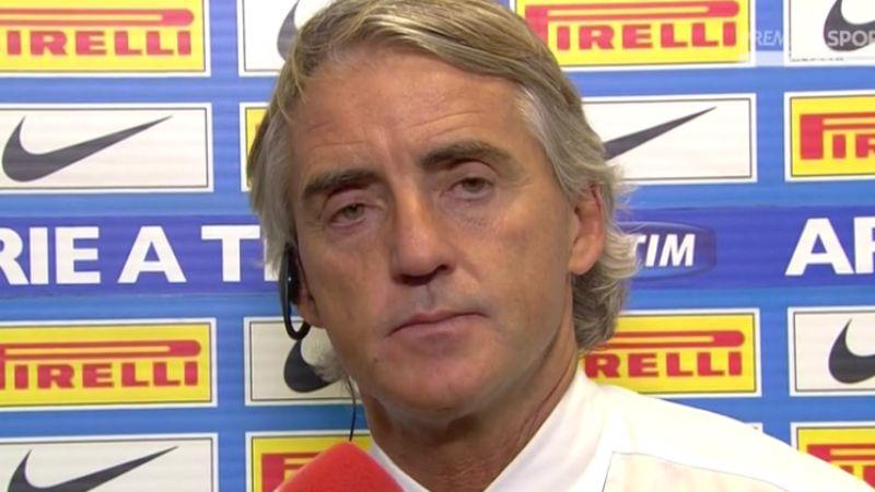 Mancini furioso: dito medio ai tifosi e insulti alla giornalista!