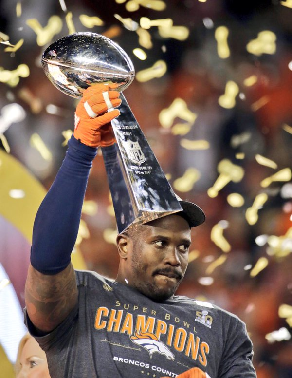 Il SuperBowl 50 va ai Broncos. Von Miller MVP