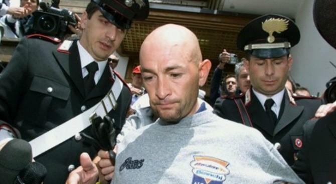 """Leggenda del ciclismo e storia """"maledetta"""": 15 anni fa moriva Marco Pantani"""