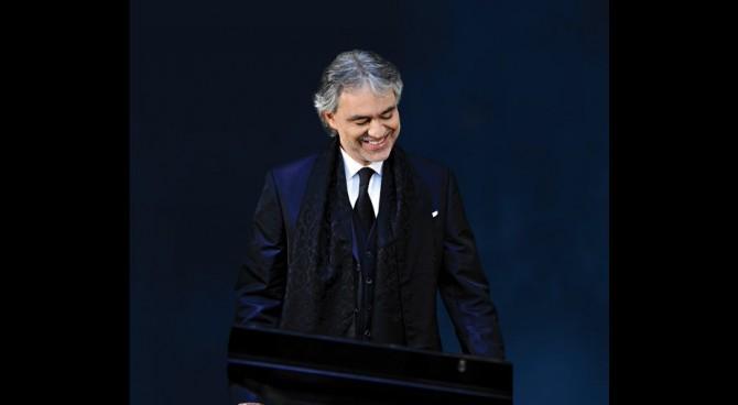 """Bocelli confessa """"Sono interista da sempre. Ma soprattutto antijuventino"""""""
