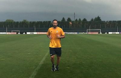 Primo allenamento di Higuain a Vinovo