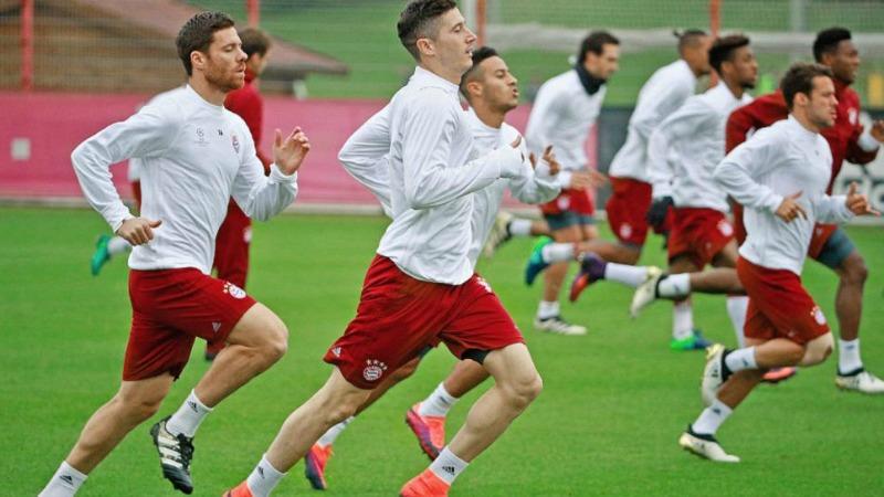 Il Bayern si allena prima della gara con il PSV