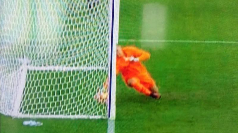 Chievo, segna Gamberini ma la Goal Line Tecnology dice no. Eppure il pallone sembra dentro!