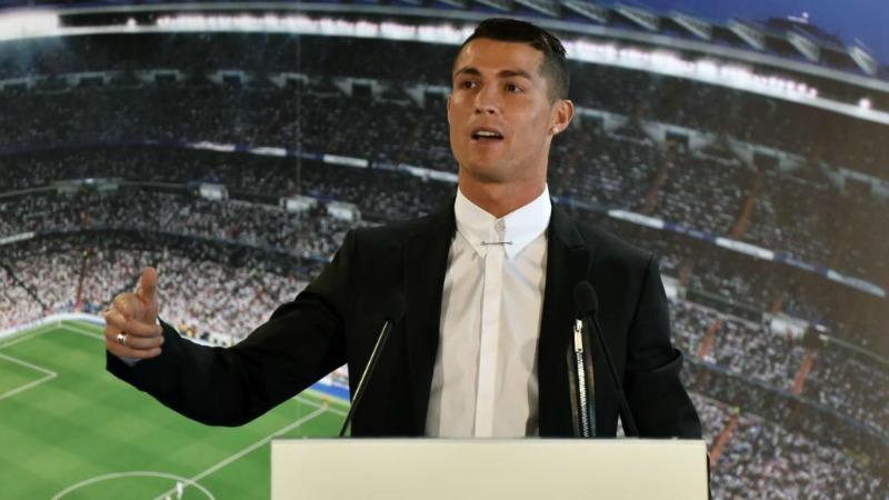 Cristiano Ronaldo ha firmato un contratto a vita con la Nike per un  miliardo di dollari! 78e9db4a3ccc0