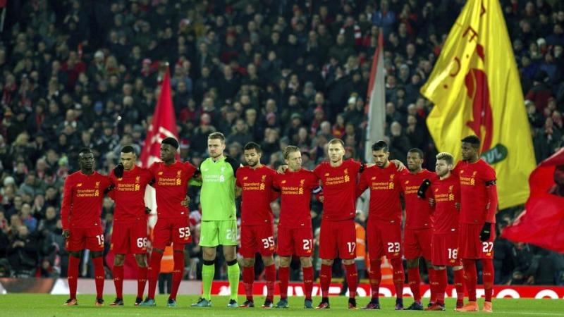 Liverpool, il toccante minuto di silenzio ad Anfield Road per la Chapecoense