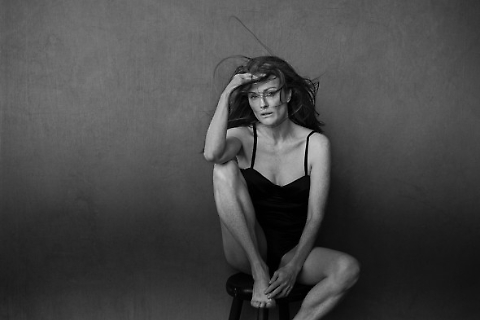 Julianne Moore nel calendario pirelli