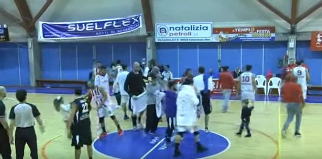 Basket, Invasione di campo di bambini, la Virtus Valmontone multata di 750 euro
