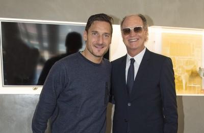 """Torna Falcao l'ottavo """"Re"""" di Roma e incontra l'altro idolo giallorosso Francesco Totti"""