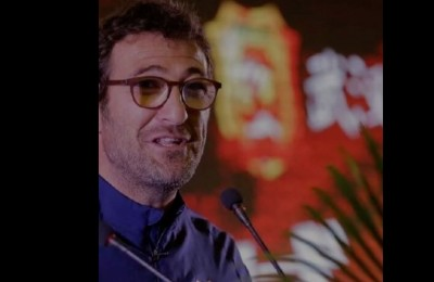 Ciro Ferrara dà l'addio al Wuhan Zall con un video commovente