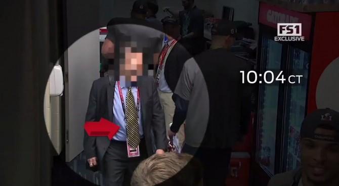 Il video del furto della maglia del quarterback dei Patriots Tom Brady