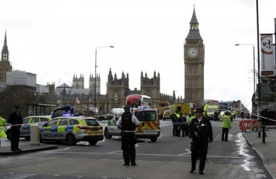 """Il pugile inglese Clarke testimone dell'attentato di Londra: """"Dio fammi uscire di qui"""""""