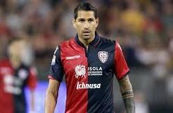 Borriello rompe con Rastelli e vuol dare l'addio al Cagliari un mese dopo il rinnovo