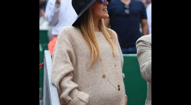 Altro che crisi tra Novak Djokovic e la moglie. La bella Jelena Ristic col pancione