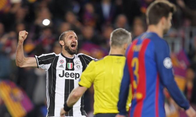 Barça-Juve, Bonucci chiede la maglia a Messi: ripreso da Chiellini