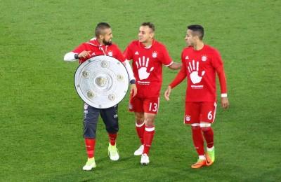 Titolo 27 per il Bayern Monaco ma fuori dallo stadio non si festeggia, Ancelotti stabilisce un record