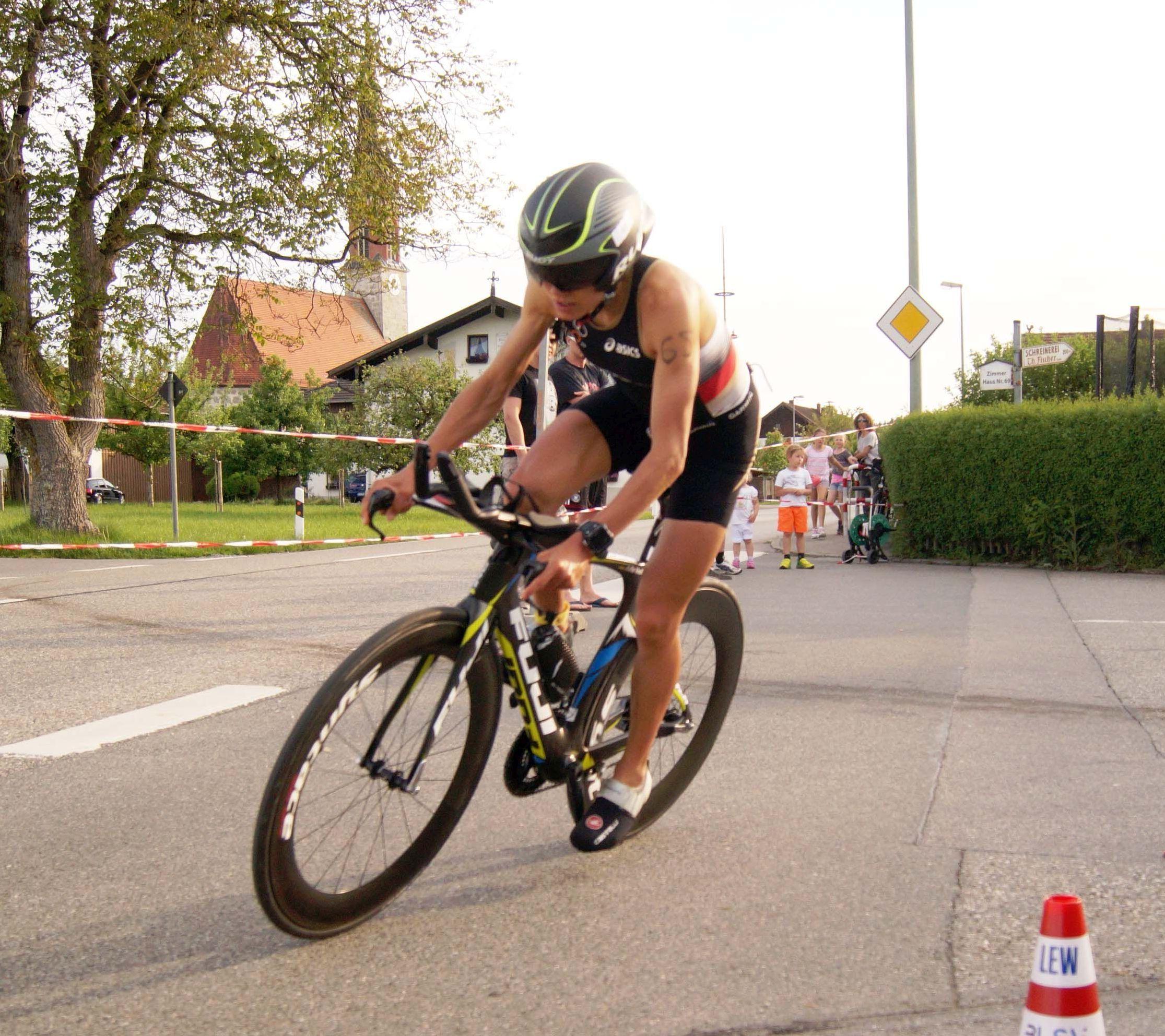 L'atleta Triathlon Julia Viellehner nello stesso ospedale di Hayden: investita, rischia amputazione gambe