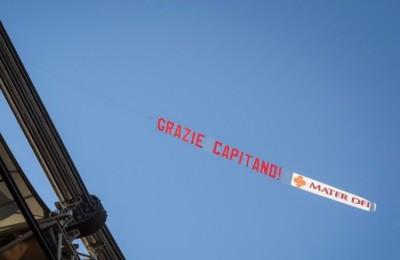 """Le immagini del """"Totti day"""", ma se non ci fosse stato Perotti... Striscione anti-Spalletti: """"Te sei levato dar..."""""""