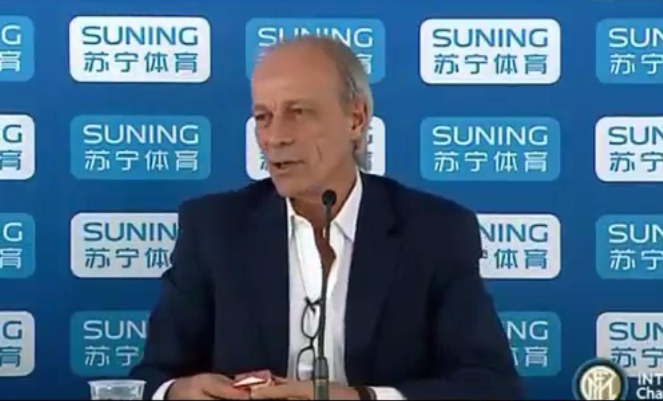 Sabatini interrompe la conferenza stampa per… pausa sigaretta