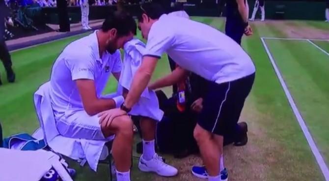 Finale di Wimbledon, Federer avanti di 2 set e Cilic scoppia in lacrime