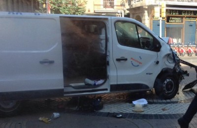 Barcellona, attentato terroristico: furgone contro la folla, 13 le vittime