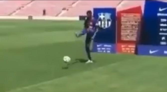 Barcellona, Dembélé come Paulinho: la presentazione è disastrosa