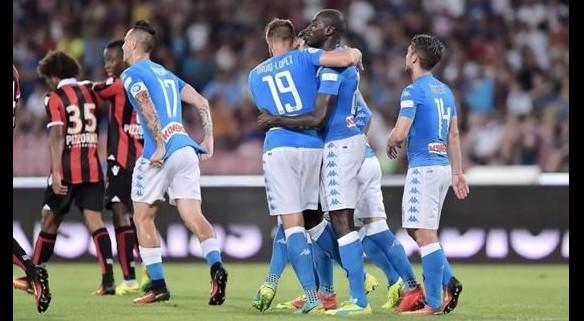 Napoli 2-0 in scioltezza sul Nizza, ma manca il k.o. in 11 contro 9