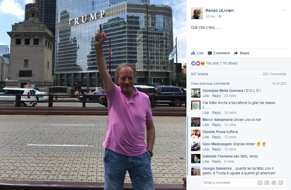Renzo Ulivieri alza il medio a Chicago verso la Trump Tower