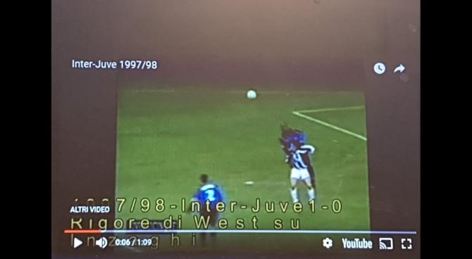 La Var per lo scontro tra Iuliano e Ronaldo? La Juve risponde così