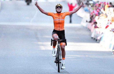 Bergen, nella gara élite femminile Chantal Blaak cade ma vince