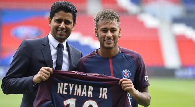 Psg, Cavani rifiuta soldi per cedere i rigori a Neymar