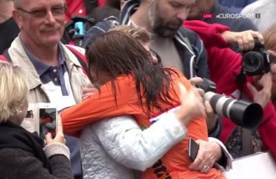 Bergen, van Vleuten è campionessa nella crono anche contro la pioggia