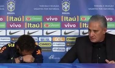 """Neymar: """"Nessun problema con Cavani"""". Poi il ct Tite lo difende e lui si commuove e va via"""