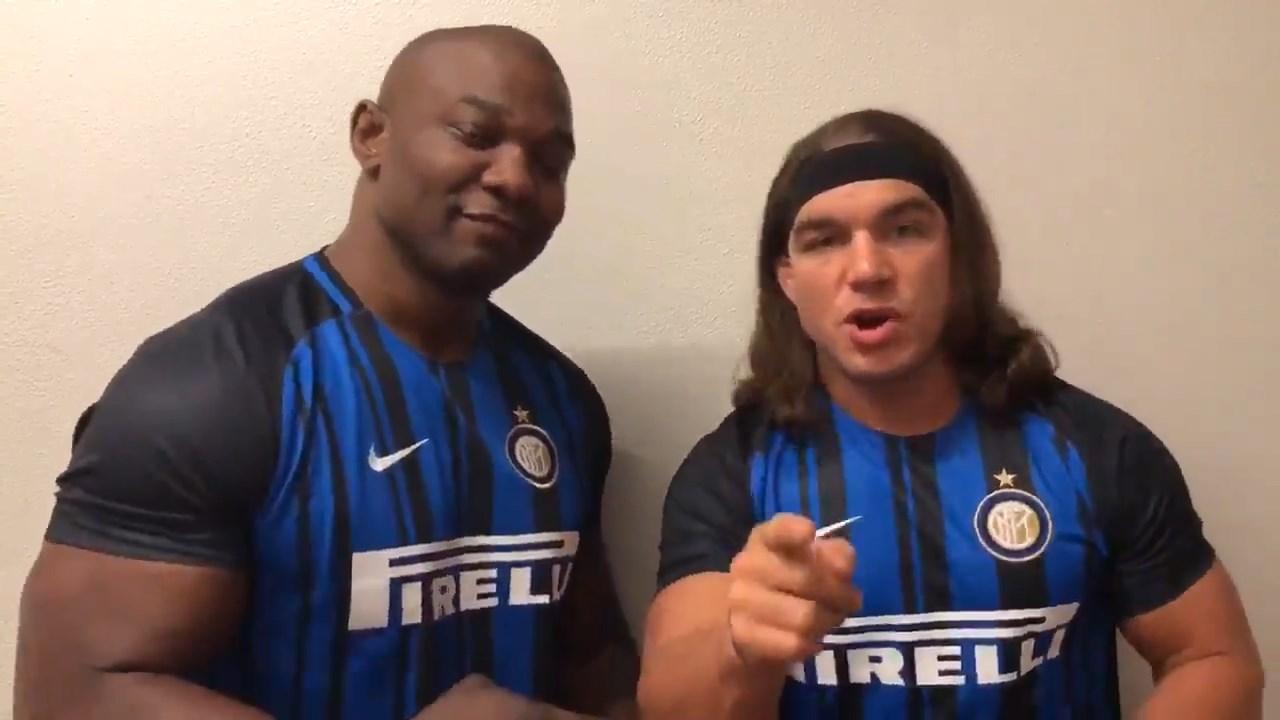 Icardi, scambio di messaggi con i protagonisti della WWE a Milano, loro vestono la maglia dell'Inter