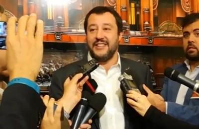 Diletta leotta la scollatura che fa alzare gli indici d for Chi fa le leggi in italia