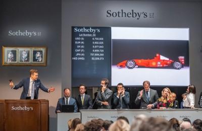 Battuta all'asta la Ferrari F2001 di Schumacher: venduta per 6,4 milioni