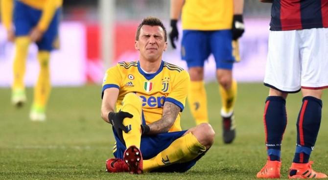 Juventus, Mandzukic non si allena: 13 punti per una ferita al polpaccio