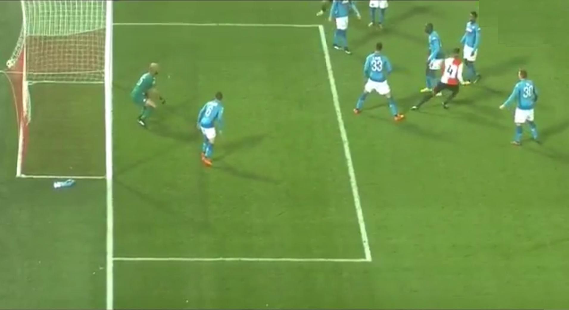 """Napoli flop, perde col Feyenoord e va in Europa League. Sarri: """"Onoreremo il torneo"""""""