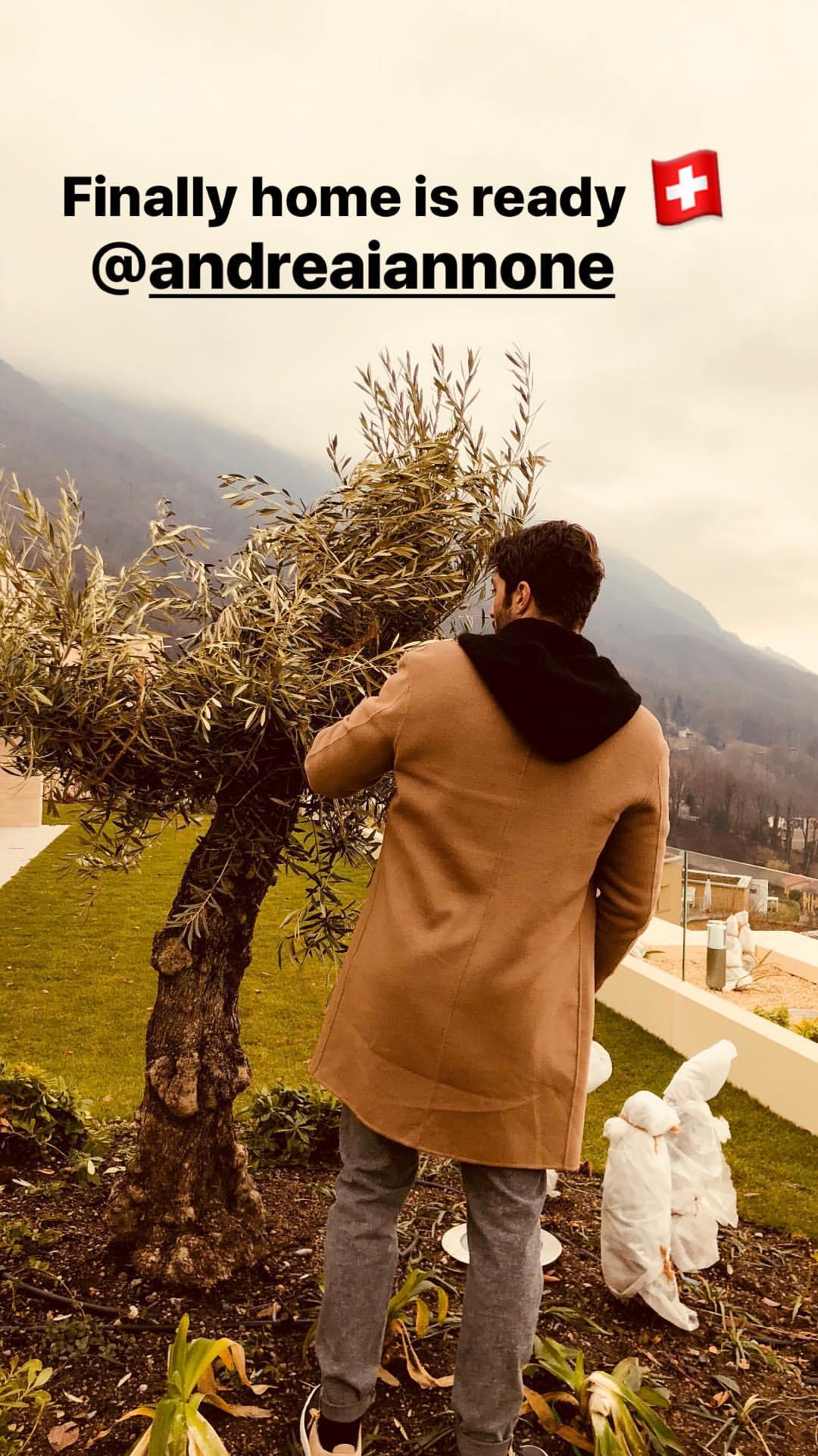 Iannone e Belen: pronto il nido d'amore in Svizzera. Intanto lei allena il Lato B