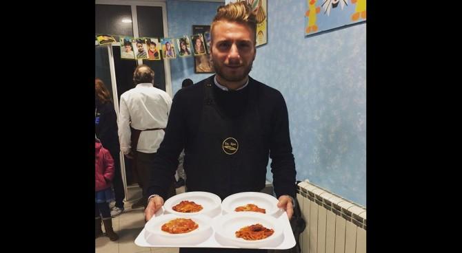 Ciro Immobile cameriere per Suor Paola