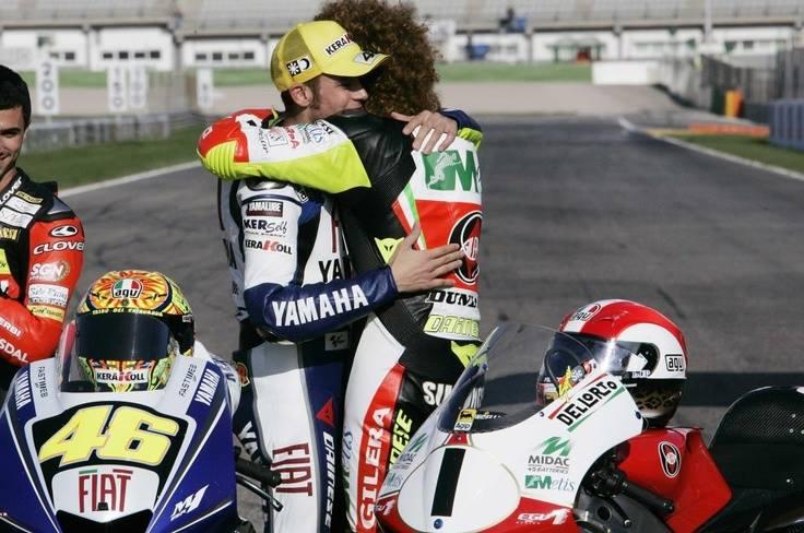 """Rossi: """"Morte di Simoncelli devastante. Non lo superi, ho continuato per amore delle moto"""""""