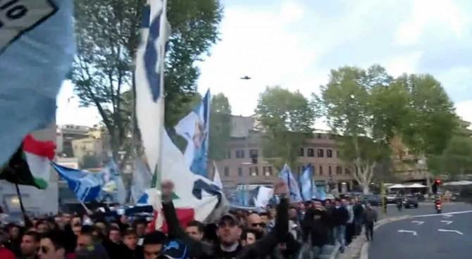 Lazio, cori antisemiti dei tifosi: